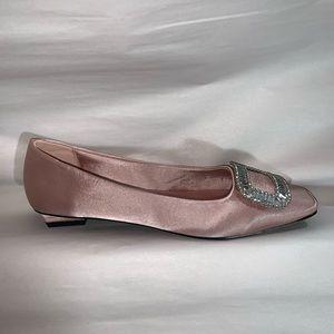 nwob size 41 pink silk SLIPPER PUMPS